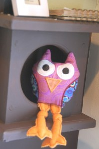 (This particular owl was finished with a satin applique stitch.)